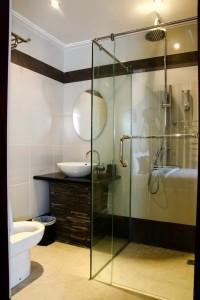 Superior Lilac Bathroom 1